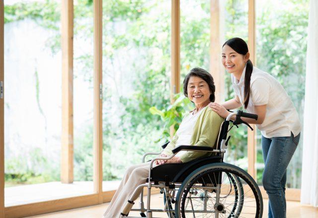 【正社員】定員34名の住宅型有料老人ホーム介護職員*賞与も嬉しい≪年2回≫日勤のみ相談可